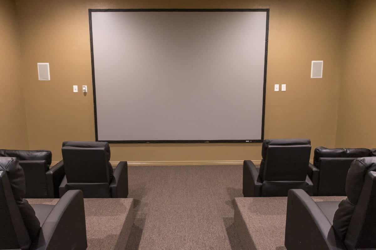 Pinnacle Point Apartments - Movie Theater Room